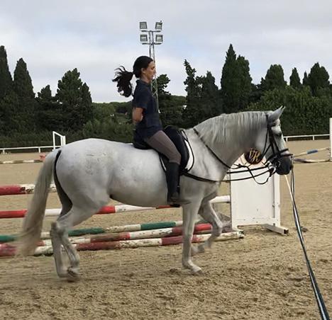 Postura sobre caballo